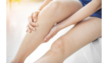 Jambes lourdes : causes et solutions