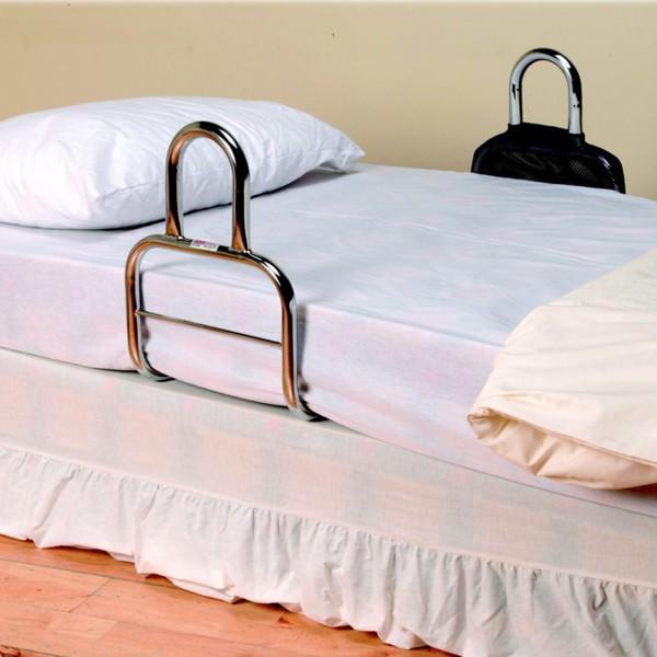 Barre chromée pour l'accès au lit Identités - Maintien à ...